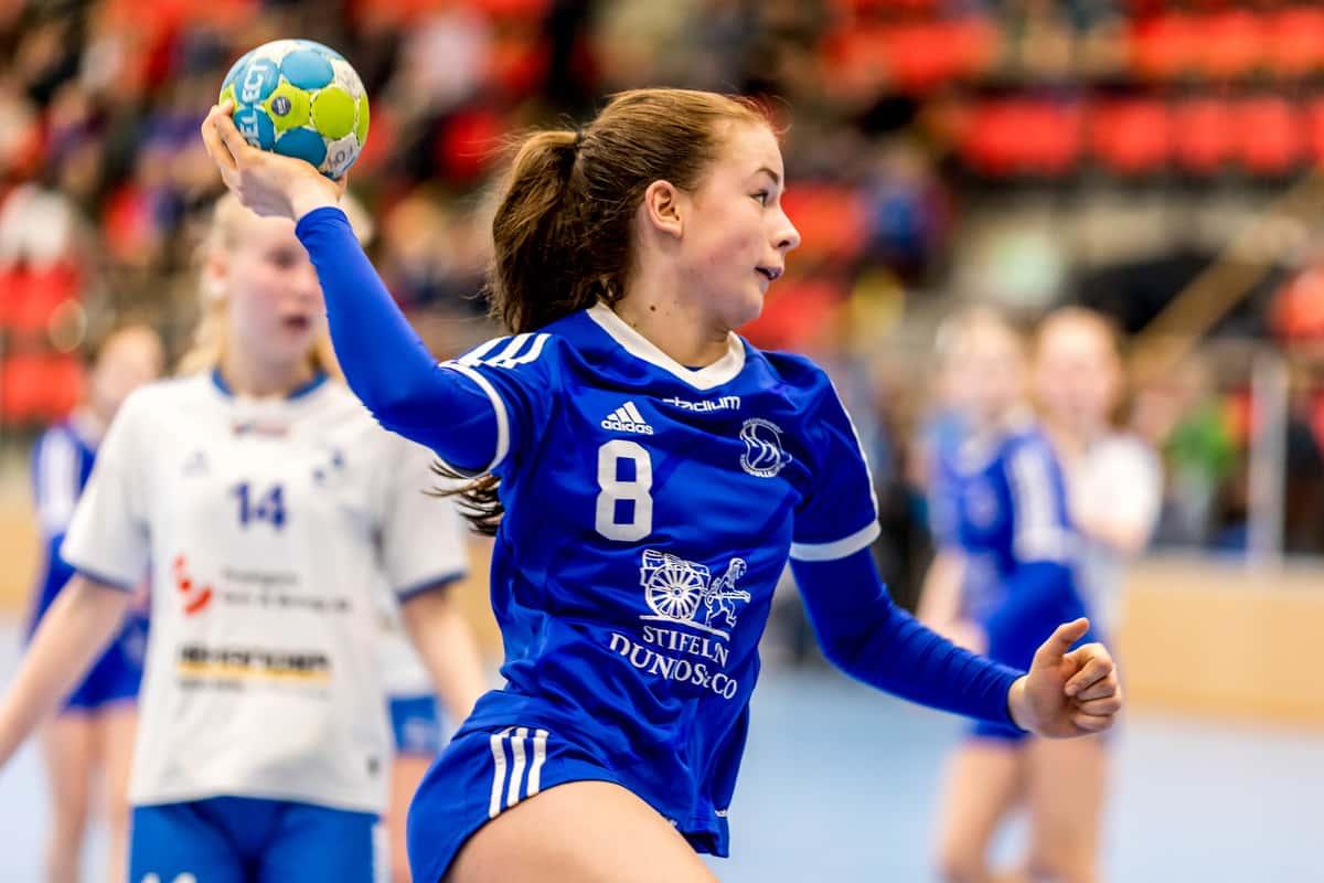 handball girl blue youth blau Jugendliche